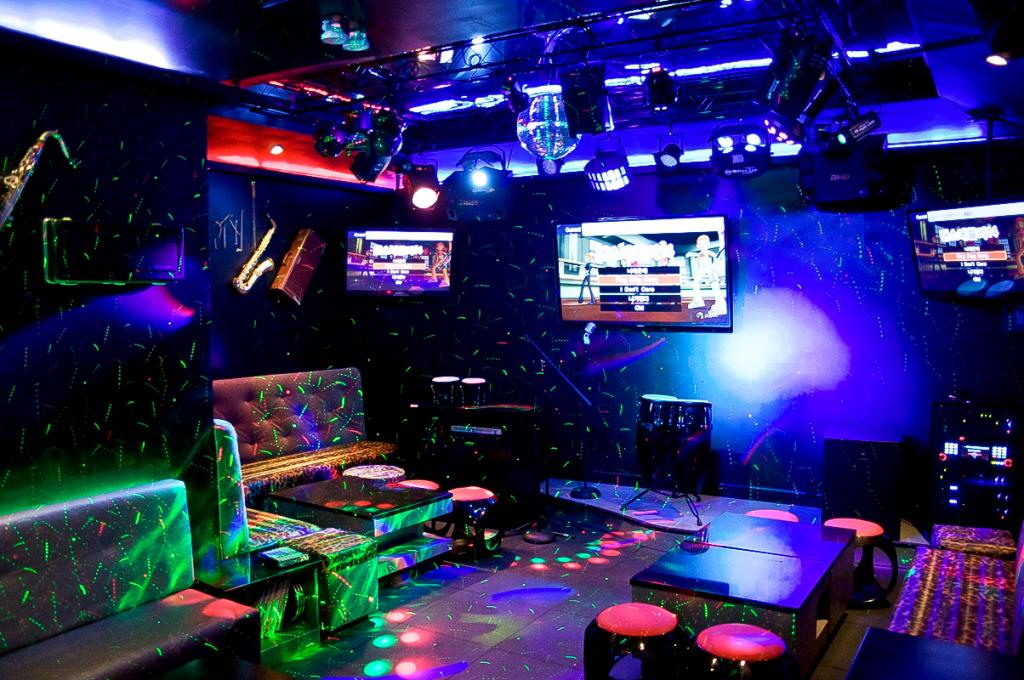 Lắp đặt âm thanh karaoke chuyên nghiệp nên chọn đơn vị nào ?